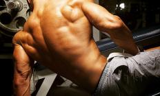 Біль у верхній частині трапецієподібних м'язів: як допомогти?
