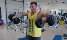 Тренування плечей при грижі хребта: 3 поради атлета Олександра Костенка