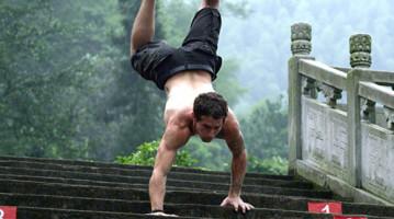 7 вправ, які навчать ходити на руках. Методика кросфіту