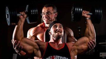 Коротко про плечі: 3 помилки у тренуванні дельт